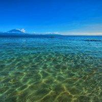 вид на Бали с ближайшего острова :: Александр