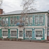 Бутурлиновка. Жилой дом с магазинами. Площадь Воли (Базарная), 9 :: Алексей Шаповалов Стерх