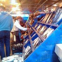 Рыбный рынок в Астрахани. :: Елена