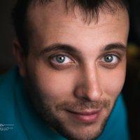 Сегодня в гости заходил старый друг) Не удержался и сделал ему портретик)))!!! :: Сергей Горбунов