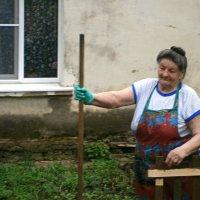 Просто старушка....уж теперь и имени не вспомню...к своему стыду!((( :: Людмила Богданова (Скачко)