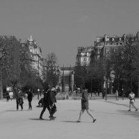 Парк рядом с башней в Париже :: Елена Мартынова