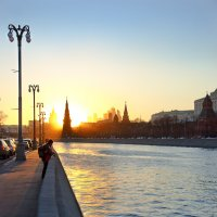 вечером на набережной :: Александр Шурпаков