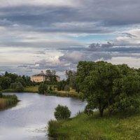 Утро над Константиновским дворцом :: Владимир Колесников