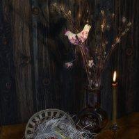 На столе – букет, предвестник Пасхи, в сердце – мир, покой и благодать :: Ирина Данилова