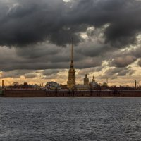 Тучи над городом :: vladimir Bormotov
