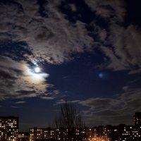 Сегодня полнолуние...а днем было лунное затмение :: Валентина Данилова