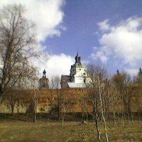 Апрельское небо Украины :: Миша Любчик