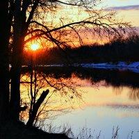 Я обожаю красоту заката... Особенно когда он на воде... :: Евгений Юрков