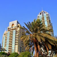 Dubai Marina :: Voyager .