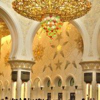 В белой мечети шейха Зайда :: Наталья Маркелова