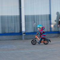 Детская беговелогонка :: Оля Вишнякова