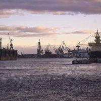 Верфи ,корабли ,подводная лодка... :: Наталья Левина