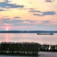 Вид на Волгу с набережной у Ладьи, Самара :: Денис Кораблёв
