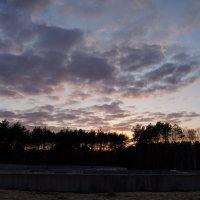 Закат над стройкой :: Любовь Клименок