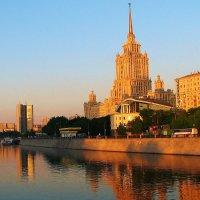 """Гостиница """"Украина"""" :: Лариса Мироненко"""