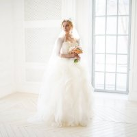Невеста в окружении белого света :: Konstantin Morozov