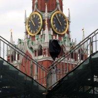 10:53 (лестницы) :: Михаил Бибичков