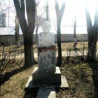 Монумент Ленину в Подмосковном  г. Котельники ул. Опытное поле 2015 год :: Ольга Кривых