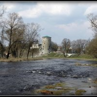Гремячая башня. Река Пскова. :: Fededuard Винтанюк