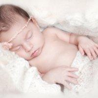 Прекрасная маленькая Ниночка, 1 месяц :: Anna Lipatova