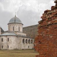 Старые и новые стены :: Сергей Залаутдинов
