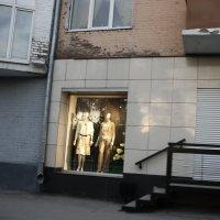 Блеск  и  нищета  вечерней  жизни.... :: Валерия  Полещикова
