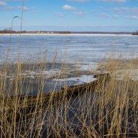 лодка во льдах :: Павел Фролов