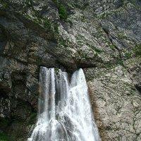 Абхазия. Гегский водопад в июне. :: юрий
