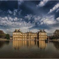 Люксембу́ргский сад  — дворцово-парковый ансамбль в центре Парижа. :: Александр Вивчарик