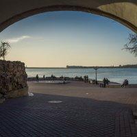 Вид на Севастопльскую бухту из под моста Влюбленных. :: Александр Гапоненко
