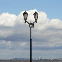 Облачный фонарь. :: Владимир Гилясев