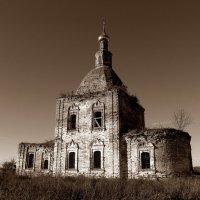 Деревенская церковь :: Mavr -
