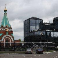 Храм  на территории Газпрома.... :: Валерия  Полещикова