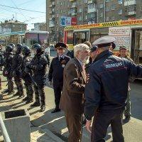 """Оцепление """"Монстрации"""" в Новосибирске :: Николай Мелонов"""