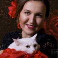 Красные розы...и одна беленькая :: Александр Белоконь