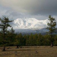 Мунку-Сардык после первого сентябрьского снегопада. :: BORIS LAMBERT