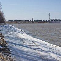 Истончается береговой лёд :: val-isaew2010 Валерий Исаев