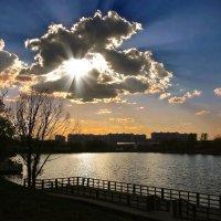 Весенние лучи над городом :: НАТАЛИ natali-t8