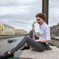 Люди в городе. :: Александр Лейкум