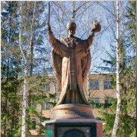 Надпись на памятнике говорит сама за себя! :: Олег Каплун
