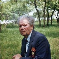 Ветеран Великой Отечественной войны. Симферополь, 2004 год :: Нина Корешкова