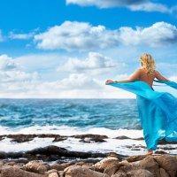 Девушка и море 1 :: Максим Приходнюк