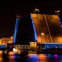 Дворцовый мост :: Leontiy Krasyuk
