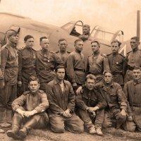 среди этих воинов и мой отец.фото военного периода. :: юрий макаров