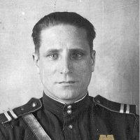 * Нет в России семьи такой,где не памятен был свой герой...* - лучше не сказать! :: Андрей Куприянов