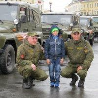 Гордость солдатами. :: Вера Щукина