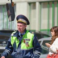 Городские зарисовки.  Москва предпраздничная в лицах. :: Геннадий Александрович