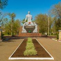 Памятник Воину-Освободителю г. Соль-Илецк :: Александр Кислицын