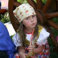 загадочный взгляд девочки :: Олег Лукьянов